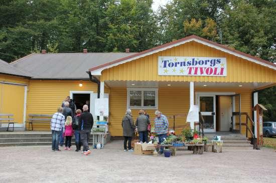 Loppis i Färingtofta IK:s lokaler i Tornsborg
